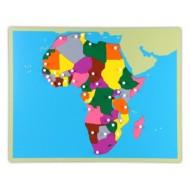 Afrika-Holzpuzzlekarte mit herausnehmbaren Regionen.